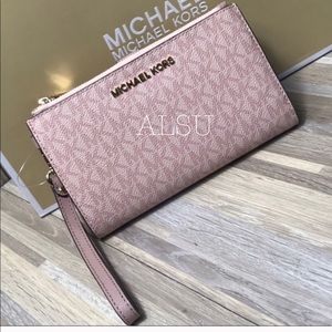 Used, Michael Kors Doublezip Wristlet Wallet Rose  AUTHENWT for sale